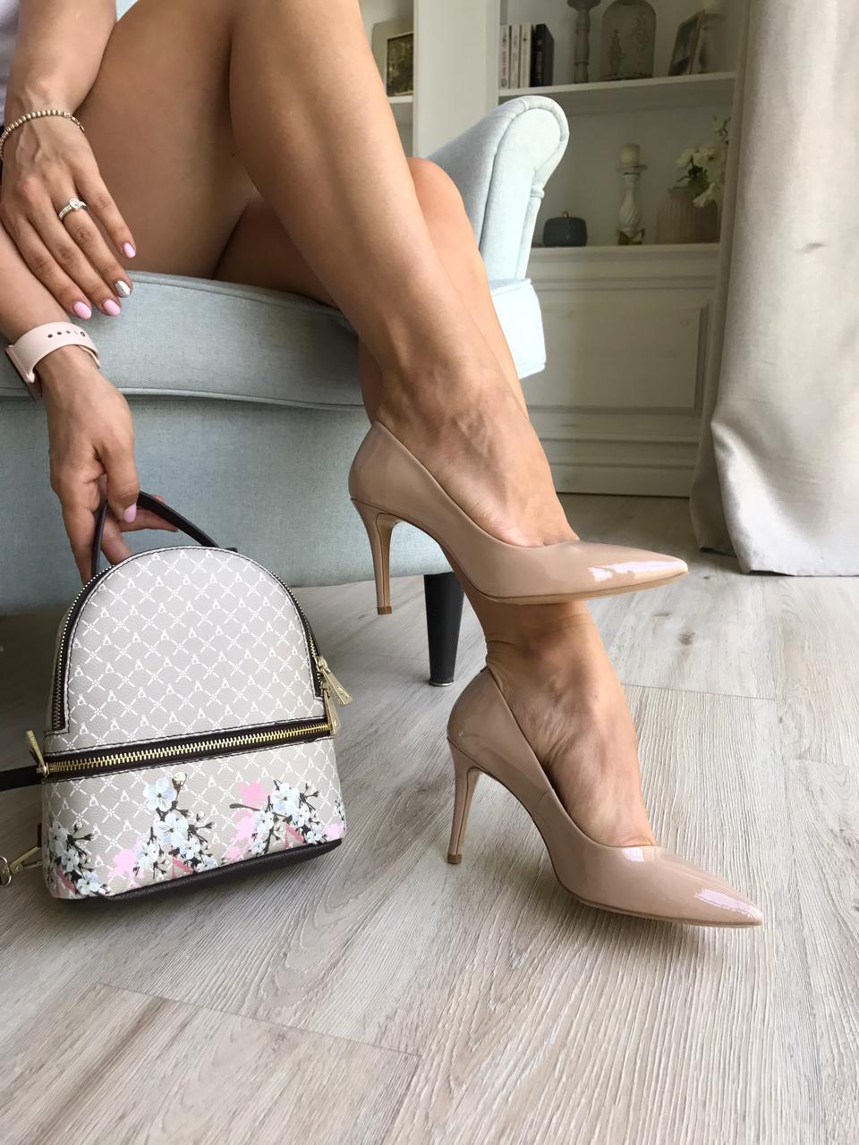 Купить со скидкой Туфли  женские лак
